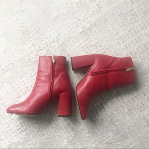 Red leather boots with gold zip size 9